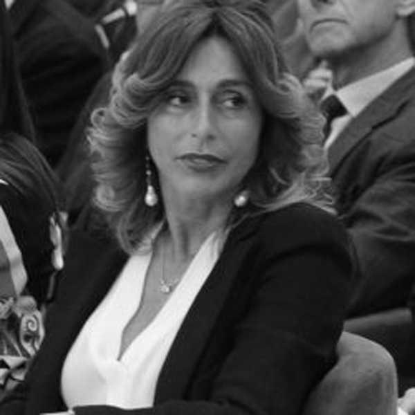 https://www.festivalgiornalismoculturale.it/wp-content/uploads/2020/05/Ambrosini.jpg