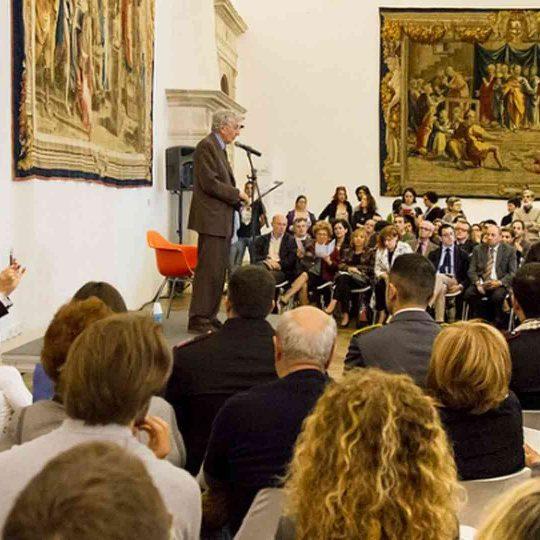 https://www.festivalgiornalismoculturale.it/wp-content/uploads/2020/05/Gallery_2013_5-540x540.jpg