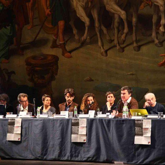 https://www.festivalgiornalismoculturale.it/wp-content/uploads/2020/05/Gallery_2015_1-540x540.jpg