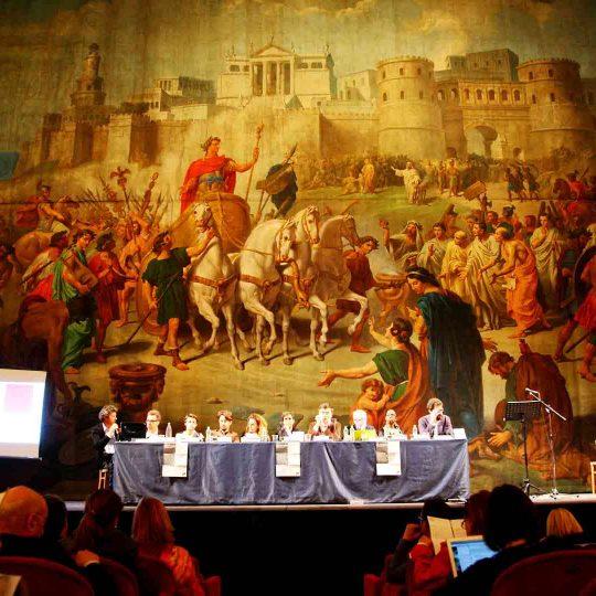 https://www.festivalgiornalismoculturale.it/wp-content/uploads/2020/05/Gallery_2015_2-540x540.jpg