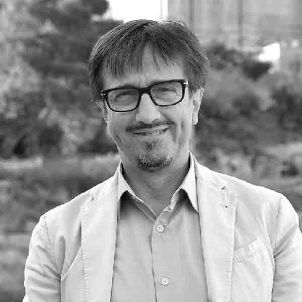 https://www.festivalgiornalismoculturale.it/wp-content/uploads/2020/05/Paternoster.jpg