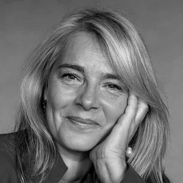https://www.festivalgiornalismoculturale.it/wp-content/uploads/2020/09/Roberta_Villa.jpg