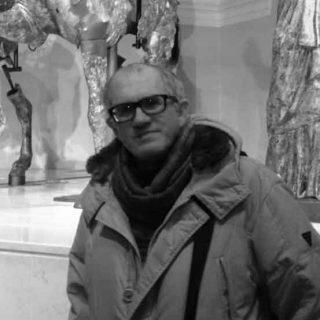 https://www.festivalgiornalismoculturale.it/wp-content/uploads/2020/09/Stefano_Brachetti-320x320.jpg