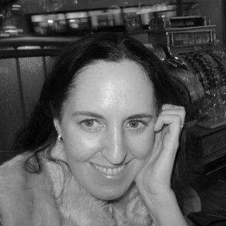 https://www.festivalgiornalismoculturale.it/wp-content/uploads/2021/09/Alice-Chambers-320x320.jpg